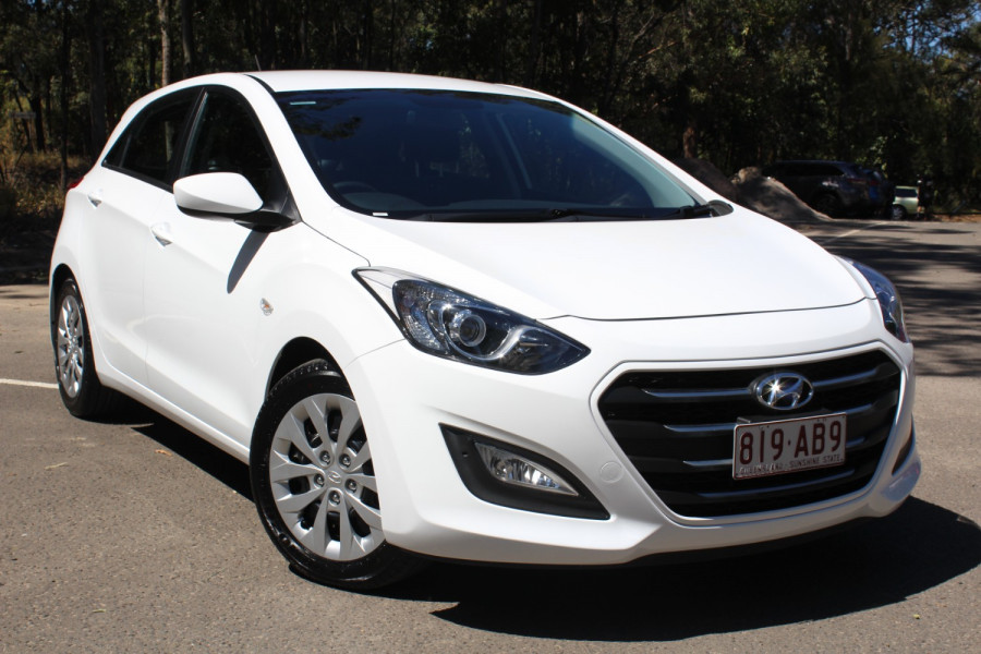 2015 Hyundai I30 Image 2