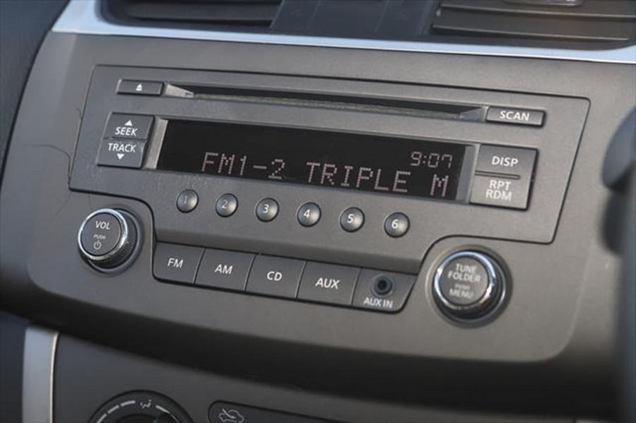 2014 Nissan Pulsar C12 ST Hatchback Image 16
