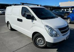 Hyundai iLOAD TQ-V MY11