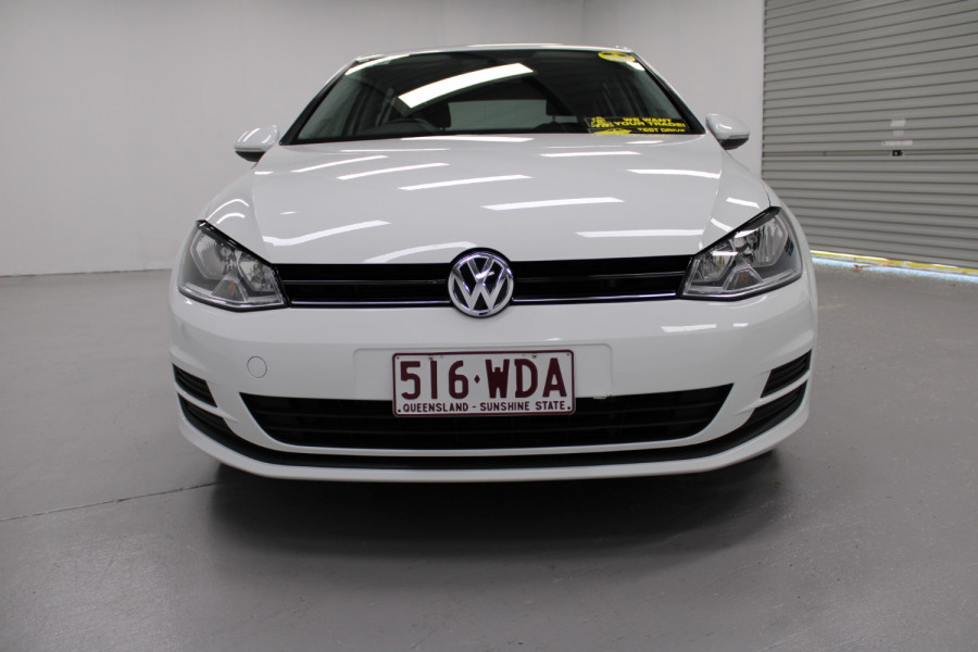 2015 Volkswagen Golf VII  90TSI Hatchback Image 5
