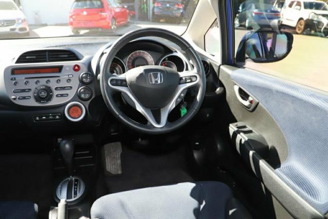2013 Honda Jazz GE Vibe Hatchback Image 11