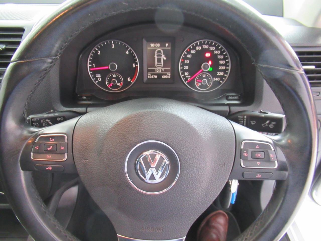 2010 Volkswagen Jetta 1KM MY10 103TDI Sedan Image 24
