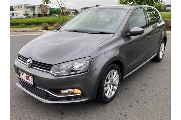 2016 Volkswagen Polo Hatchback Image 4
