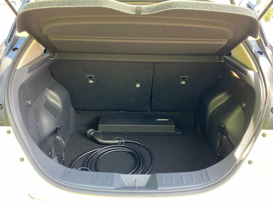 2021 Nissan LEAF ZE1 E Plus Hatchback Image 9