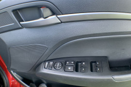 2017 Hyundai Elantra AD Elite Sedan Image 4