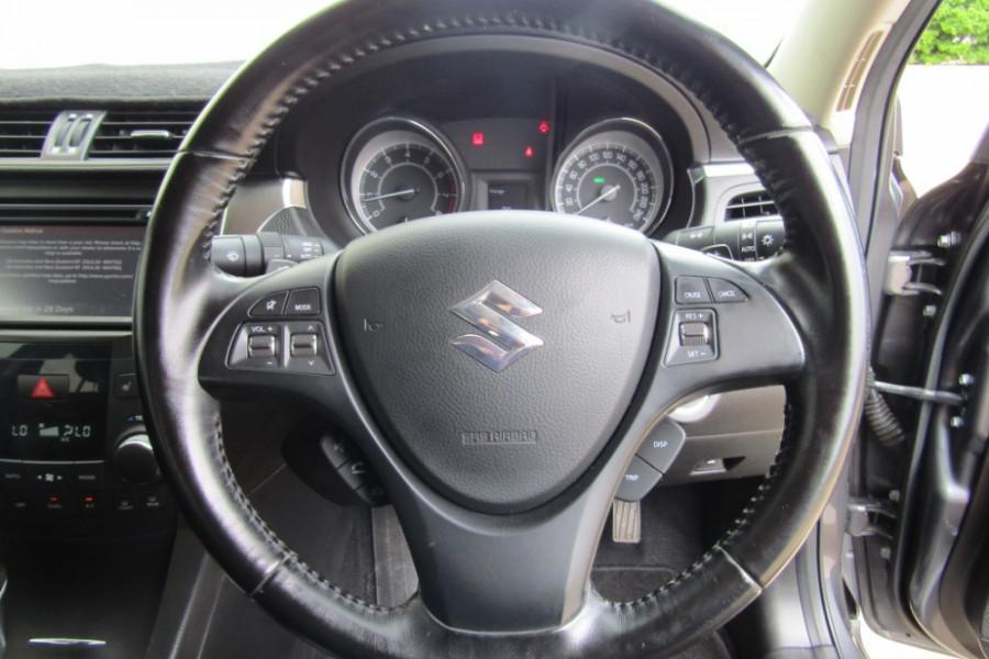2015 MY14 Suzuki Kizashi FR Sport Touring Sedan Image 16