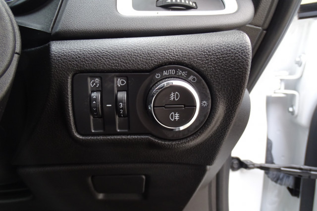 2015 Holden Astra GTC Sport 11 of 21