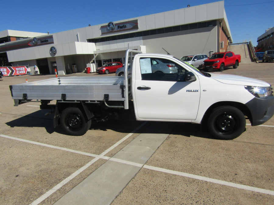 2018 Toyota HiLux WorkMate 4x2 Single-Cab Cab-Chassis Cab chassis Image 1