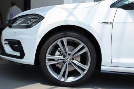 2019 MY19.5 Volkswagen Golf 7.5 110TSI Highline Hatchback Image 5
