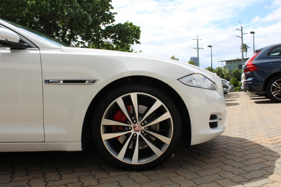 2015 Jaguar Xj X351 MY15 Premium Sedan Image 3