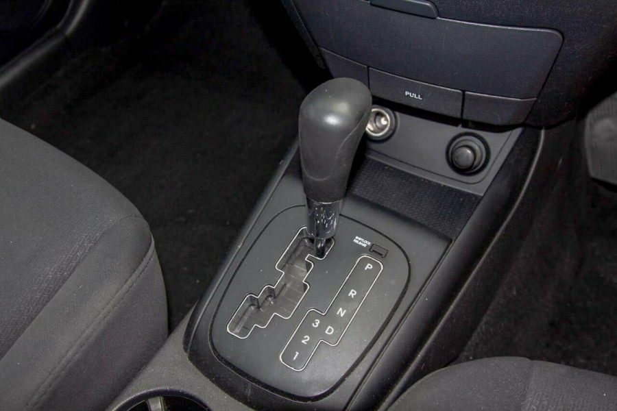 2011 Hyundai i30 FD MY11 SX 1.6 CRDi Hatchback Image 10