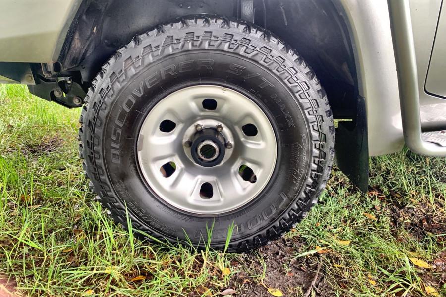 2012 MY13 Nissan Patrol Y61 GU 6 SII MY ST Cab chassis