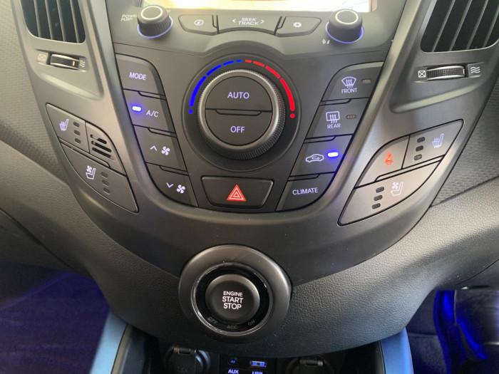 2016 Hyundai Veloster FS5 Series II Street Hatchback Image 23