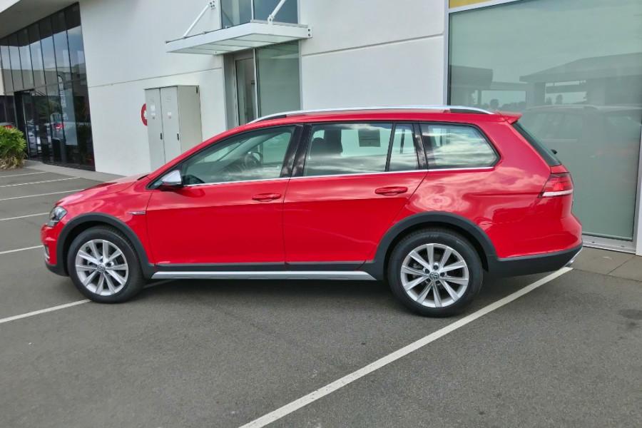 2017 MY18 Volkswagen Golf Alltrack 7.5 132TSI Wagon