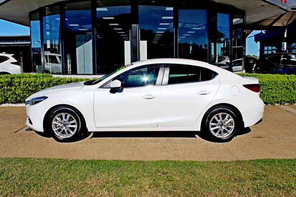 2017 Mazda Mazda3 BN5238 SP25 Sedan Image 5