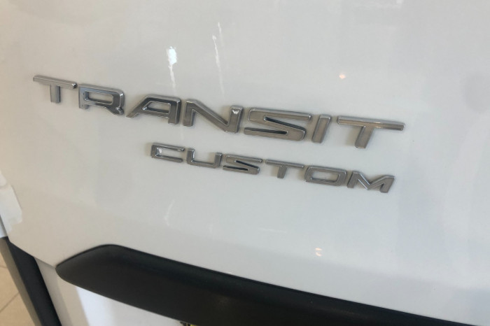 2016 Ford Transit Custom VN 330L Van Image 11