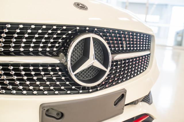 2017 MY08 Mercedes-Benz A-class Hatchback Image 12