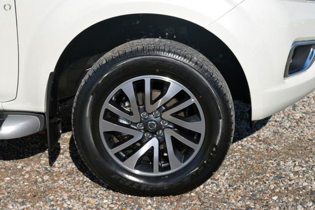 2019 Nissan Navara D23 Series 4 ST-X 4x4 King Cab Pickup Utility Image 2
