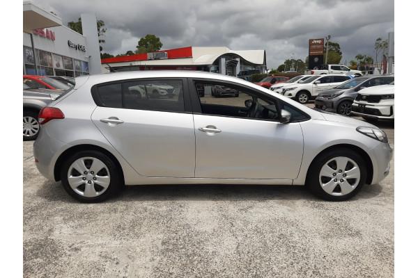 2014 Kia Cerato YD Si Hatchback Image 4