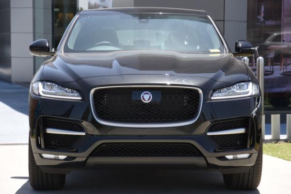 2019 Jaguar F-pace Suv Image 2