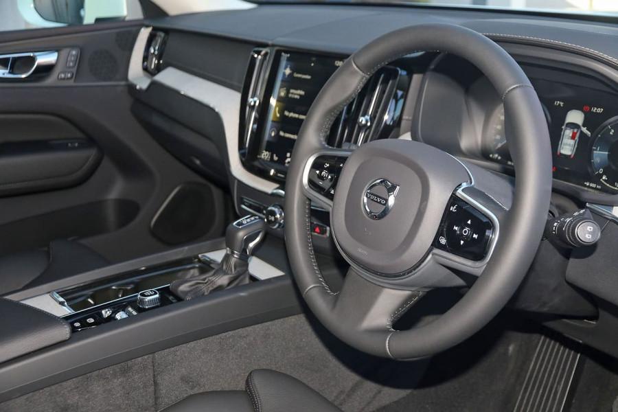 2019 Volvo XC60 UZ D4 Inscription Suv Image 5