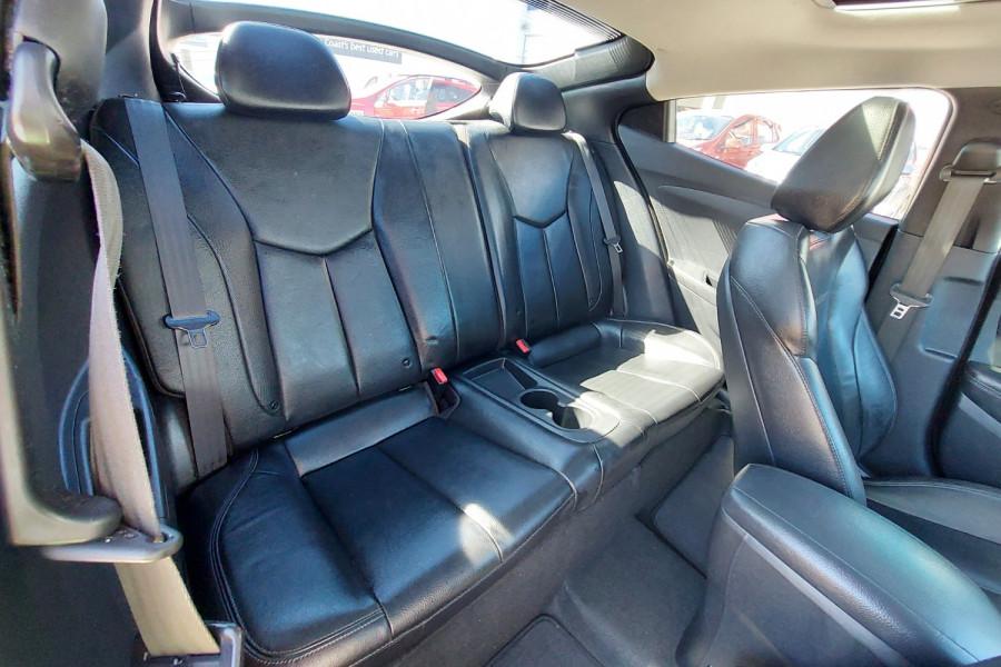 2012 Hyundai Veloster FS2 + Hatchback Image 13