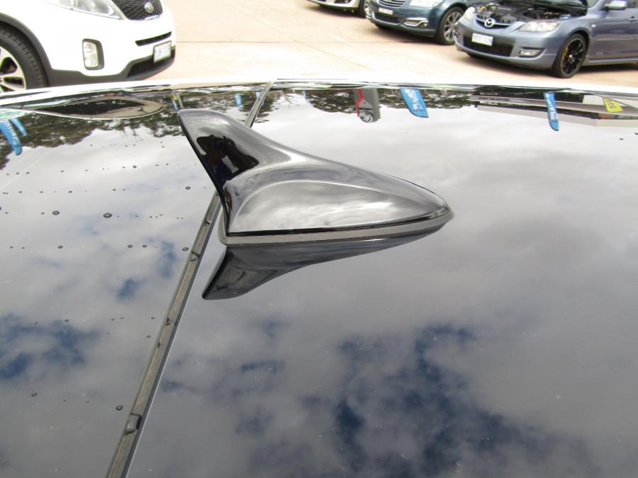 2017 Hyundai Veloster FS5 Series II SR Turbo Hatchback Image 17