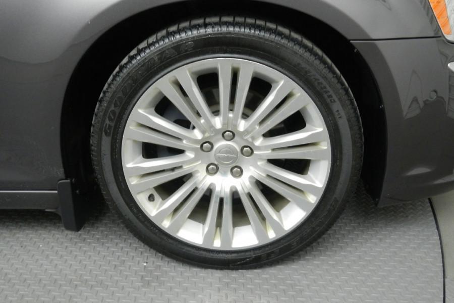 2012 MY13 Chrysler 300 LX C Sedan Mobile Image 14