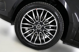 2018 Mercedes-Benz V Class Van Image 3