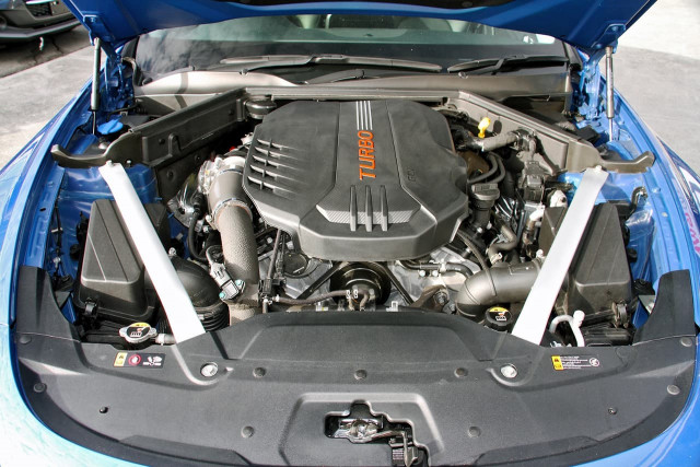 2017 Kia Stinger CK MY18 330Si Sedan Image 19
