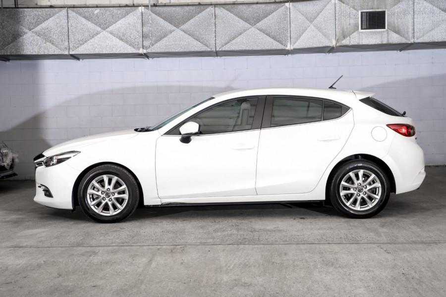 2017 Mazda 3 Maxx