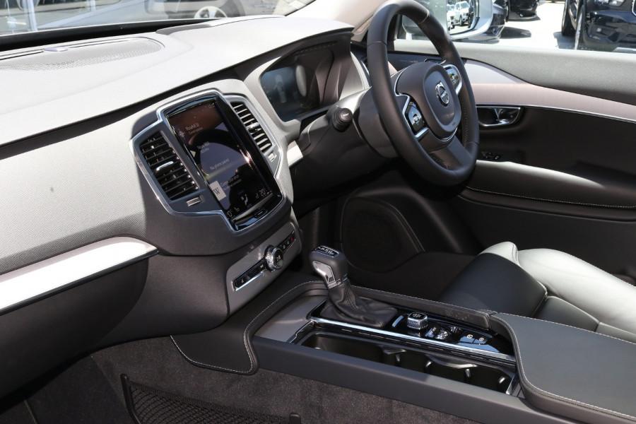 2020 Volvo XC90 L Series D5 Momentum Suv Image 6