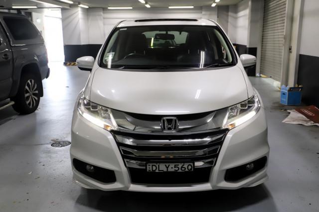 2016 Honda Odyssey 5th Gen VTi-L Wagon Image 4