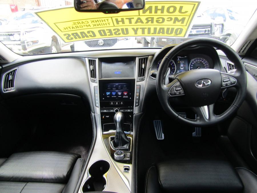 2014 Infiniti Q50 V37 S Premium Sedan Image 17