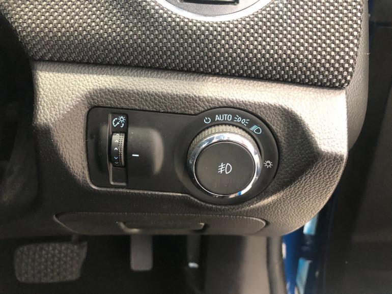 2013 Holden Cruze JH Series II Equipe Hatchback Image 10