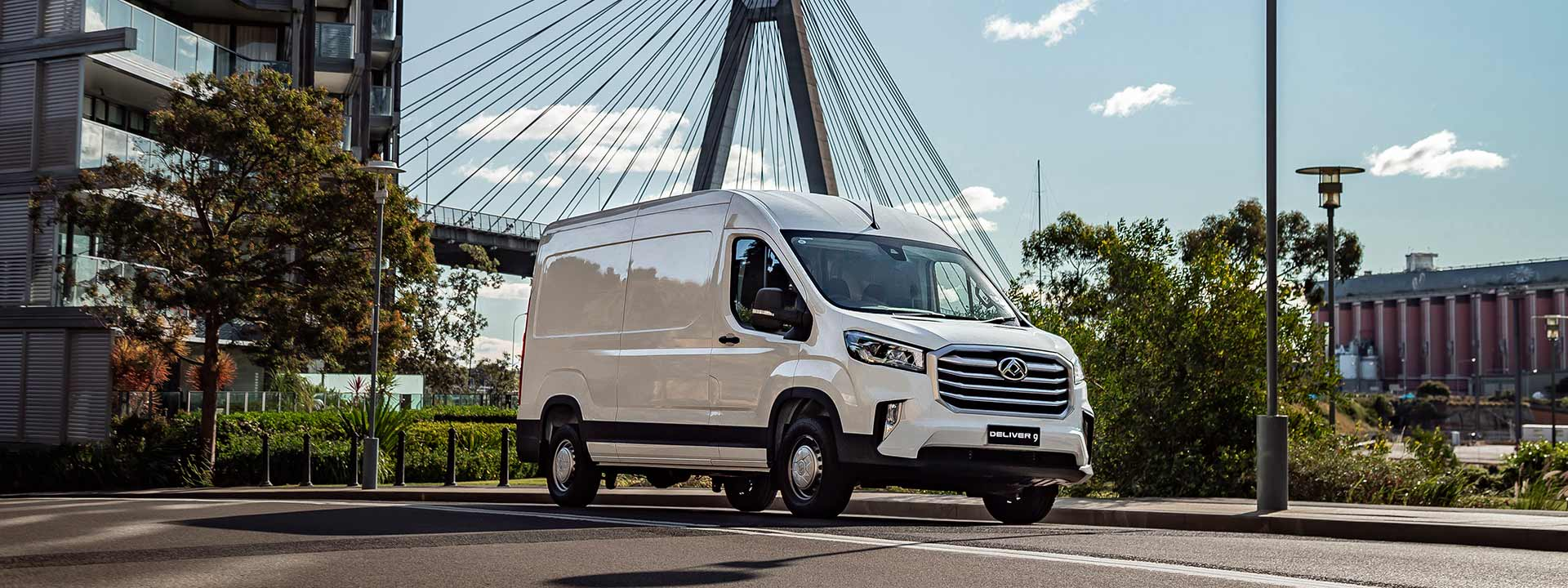 Deliver 9 Large Van Image
