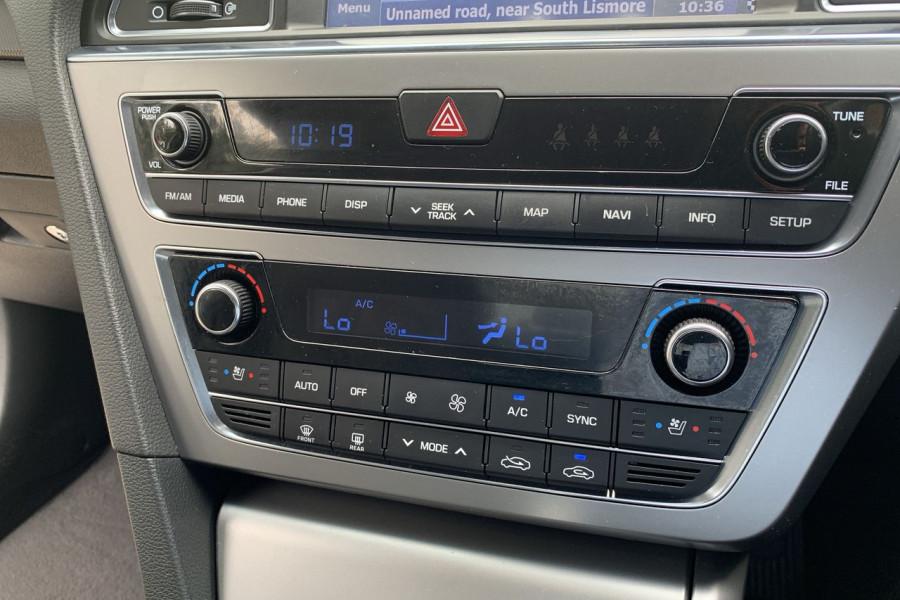 2015 Hyundai Sonata LF Premium Sedan Image 12