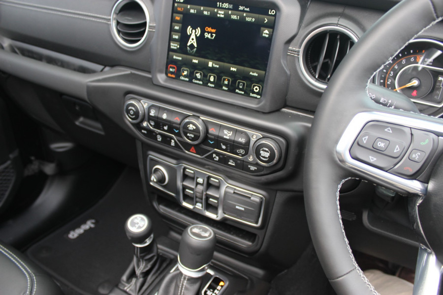 2021 Jeep Wrangler JL  Unlimited 80th Unlimited - 80th Anniversary Convertible Image 16