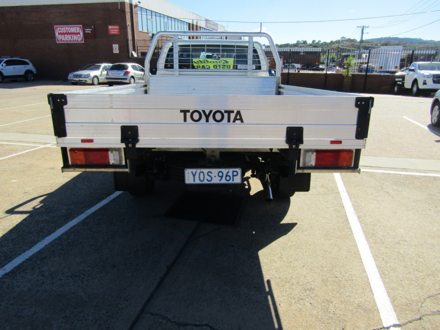 2018 Toyota HiLux WorkMate 4x2 Single-Cab Cab-Chassis Cab chassis Image 24