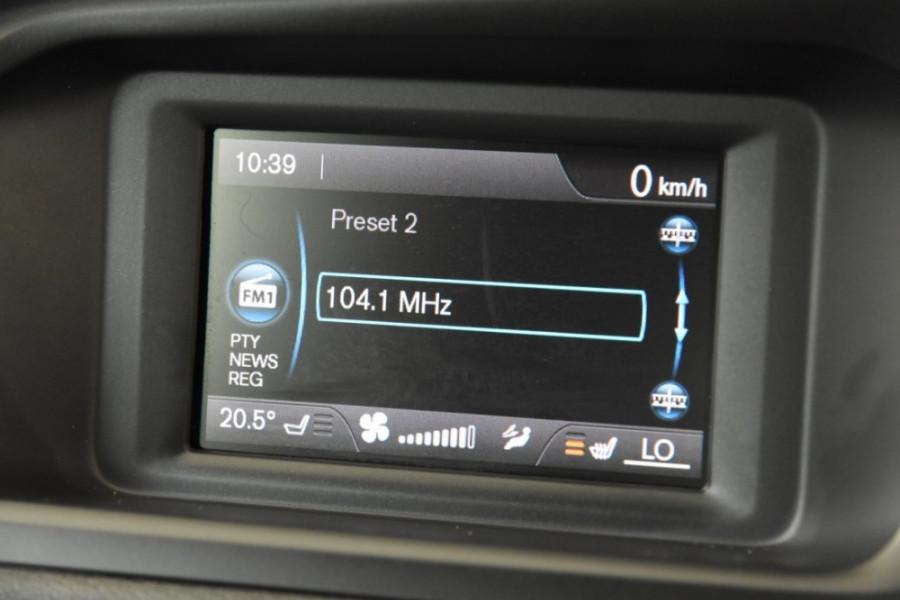 2016 Volvo V40 Vehicle Description. M  MY16 D2 Kinetic HBK AGT 6sp 2.0DT D2 Hatchback