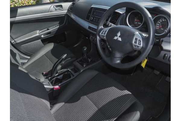 2013 Mitsubishi Lancer CJ MY14 ES Sedan Image 5