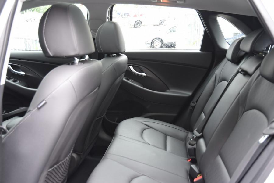 2019 Hyundai i30 PD2 Premium Hatchback Image 7