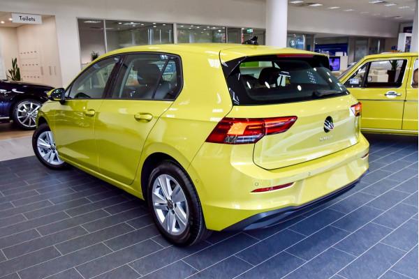 2021 Volkswagen Golf 8 110TSI Golf Hatch Image 2