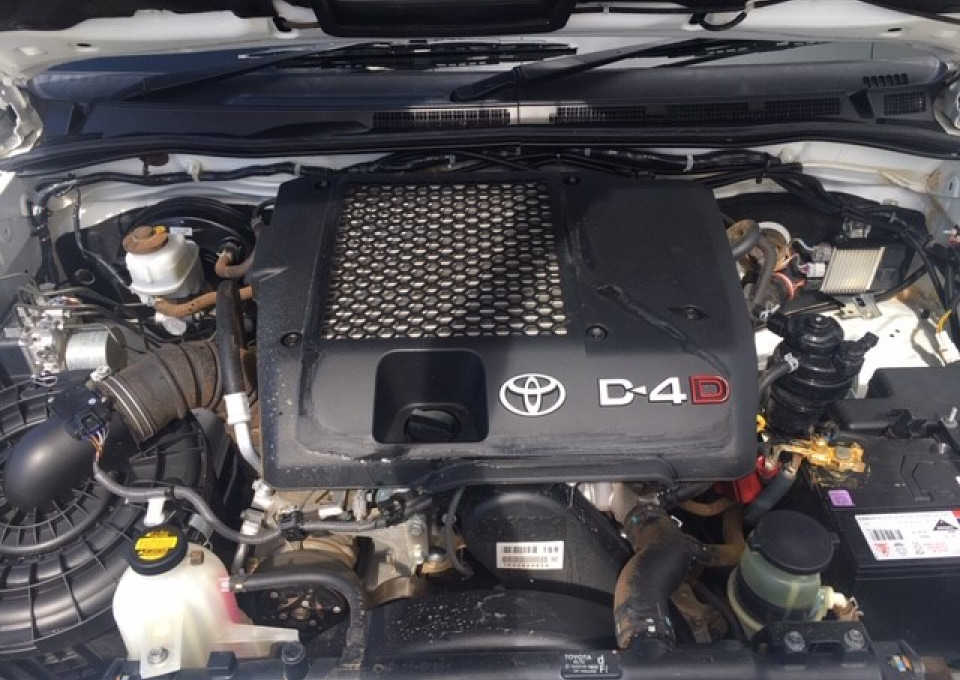 2014 Toyota HiLux KUN26R  SR Cab chassis - single cab