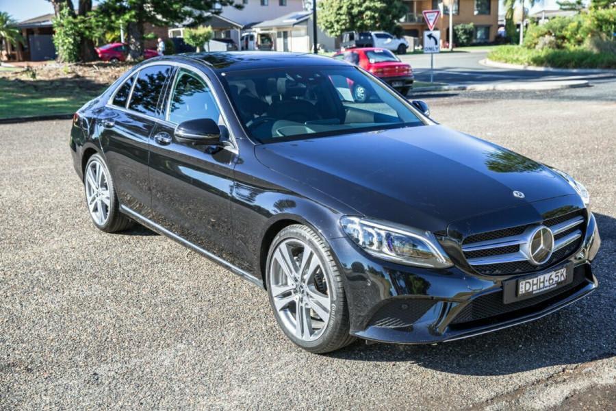 2018 MY09 Mercedes-Benz Mb Cclass W205  C300 Sedan