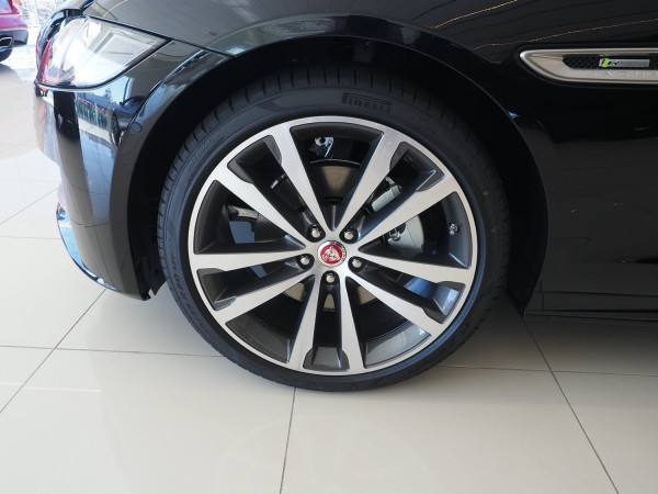2020 Jaguar Xf  25t R-Sport RWD Auto Sedan