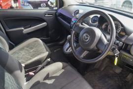 2012 Mazda 2 DE Series 2 MY12 Neo Hatchback Image 5