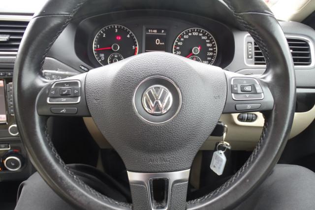 2011 Volkswagen Jetta 103TDI 21 of 24