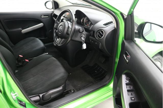 2013 Mazda 2 DE Series 2 Neo Hatchback Image 4
