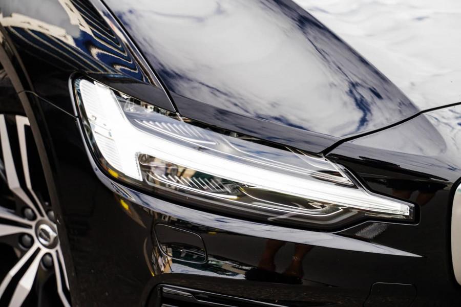 2020 Volvo S60 Z Series T8 R-Design Sedan Image 18